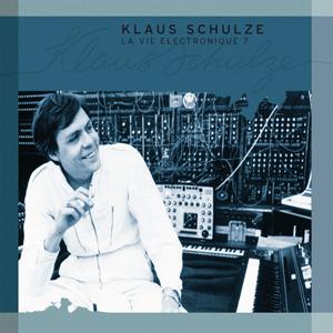 http://www.mig-music.de/wp-content/uploads/2015/06/Klaus-Schulze-LaVieElectronique7_300px72dpi.png