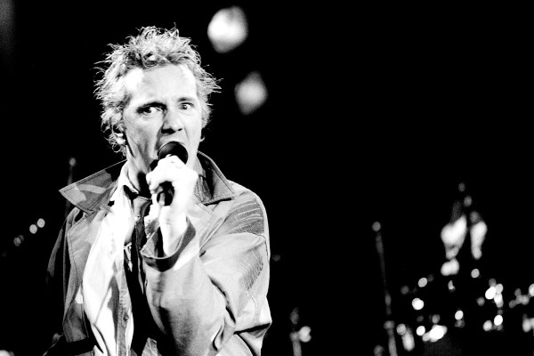 http://www.mig-music.de/wp-content/uploads/2015/06/Mig_Music_PUBLIC_IMAGE_LTD_by_Manfred_Becker_030.jpg