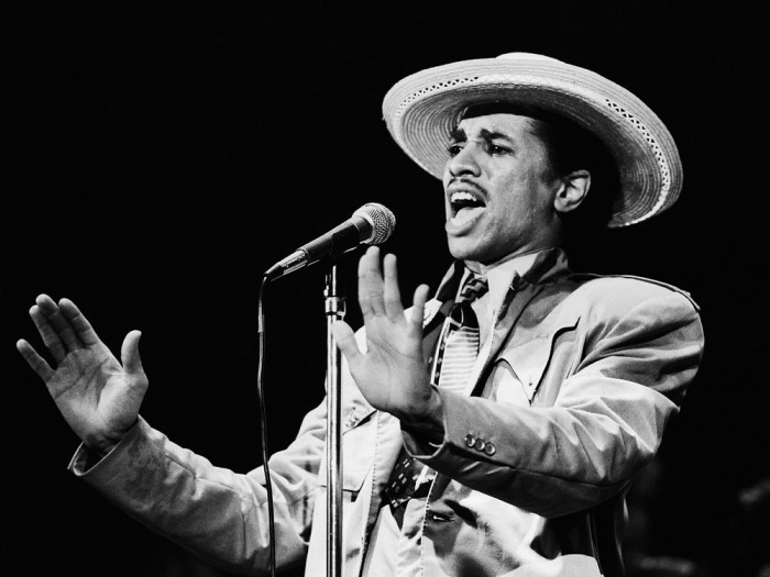 http://www.mig-music.de/wp-content/uploads/2015/08/KID_CREOLE_AND_THE_COCONUTS_01.jpg