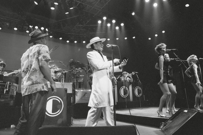 http://www.mig-music.de/wp-content/uploads/2015/08/KID_CREOLE_AND_THE_COCONUTS_02.jpg