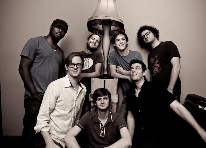 http://www.mig-music.de/wp-content/uploads/2015/08/Snarky_Puppy_Band_pic.jpg