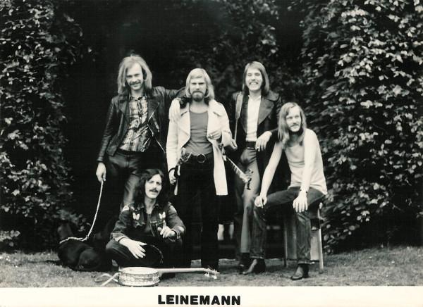 http://www.mig-music.de/wp-content/uploads/2016/08/Leinemann-Autogrammkarte_1973_1000px72dpi.jpg